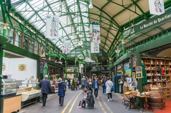 9955346-6717013-London_s_Borough_Market_which_is_a_favourite_with_foodies_appear-a-32_1550758102331